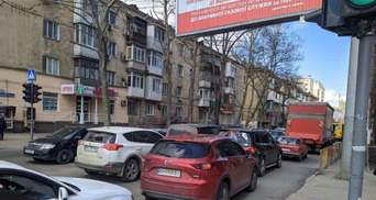 На главных автомагистралях Одессы также образовались пробки: фото