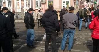 Противились полиции: в Запорожье митинг против карантина закончился уголовным делом