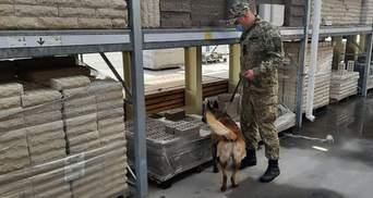 """Масове """"мінування"""" в Харкові: вибухівку шукали в """"Епіцентрі"""" та """"Новій пошті"""""""