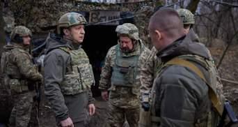 Очень сложный участок, – Зеленский посетил позиции ВСУ в 80 метрах от боевиков