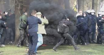 У Польщі вшановують жертв Смоленської катастрофи: не обійшлось без сутичок