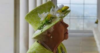 Сын Елизаветы II поделился, как она переживает смерть принца Филиппа