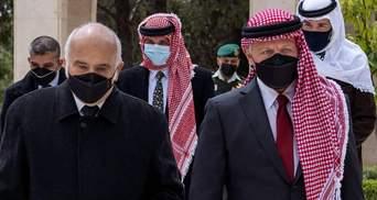 Крок примирення: король Йорданії та колишній кронпринц з'явилися разом на публіці