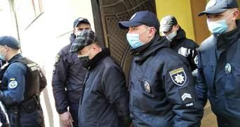Преподавателя колледжа в Черновцах подозревают в педофилии: его отстранили
