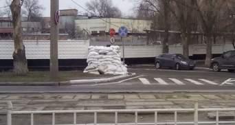 Оккупанты для пропаганды делают вид, что ремонтируют бомбоубежища на Донбассе