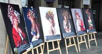 В Славянске провели выставку, посвященную матерям погибших воинов АТО: трогательные фото