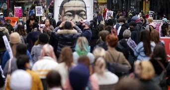Вместе пройдем через это: в США ждут протестов из-за суда по делу об убийстве Флойда