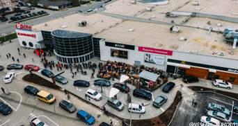 В Ивано-Франковске открытие McDonald's обернулось в хаос: большие очереди и пробки – фото