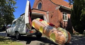 Умирающее искусство: в Новой Зеландии набирают популярность веселые дизайнерские гробы