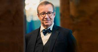 Экс-президент Эстонии призвал запретить россиянам въезд в ЕС