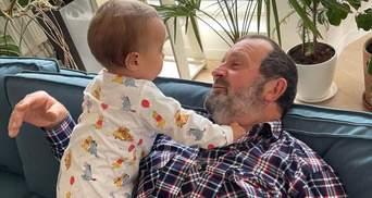 Джамала показала своего отца и 10-месячного сына: фото очаровало сеть