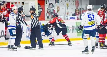 Хоккеисты Донбасса и Сокола устроили драку во время матча финала: видео