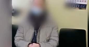 В метро Киева подростки нагло курили сигареты и хвастались этим в соцсетях: видео