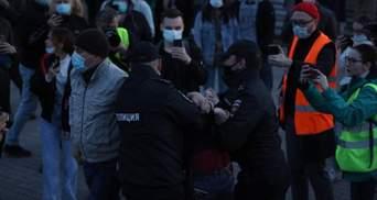 Людей разгоняют и задерживают: в РФ продолжаются масштабные митинги за Навального – фото, видео