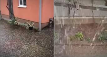 Сильна злива та град: Закарпаття накрила потужна буря – промовисте відео