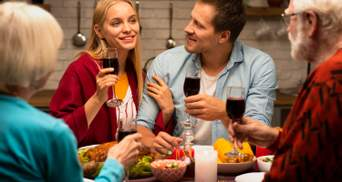 5 важливих правил спілкування за столом, про які ви не знали: поради експертки