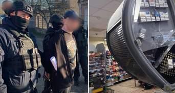 Без права залога: мужчину, который топором крушил АТБ в Мариуполе, взяли под стражу