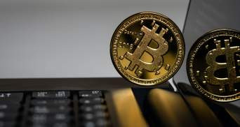 Біткойн стрімко відновлюється після рекордного падіння: скільки коштує криптовалюта