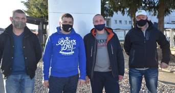 Повернули з того світу: 3 українських заробітчан врятували поляка від самогубства