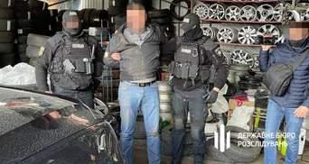 20 тысяч в неделю: в Киеве раскрыли полицейского, который крышевал работу кафе во время локдауна
