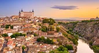 Іспанія планує влітку відкрити кордони для туристів