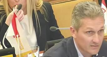 Депутат во время речи о смерти ела конфету: видео курьеза в горсовете Одессы