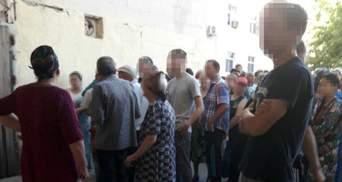 У Туркменістані заборонили черги за продуктами, незадоволених – затримують