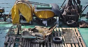 """Чистый четверг по-одесски: возле """"Дельфину"""" повторно зачистили дно от обломков Delfi – фото"""