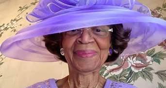 Бабушка из США каждое воскресенье надевает изысканные наряды на виртуальные богослужения