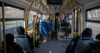 В Киеве ослабили карантин: как работает метро и наземный транспорт в столице