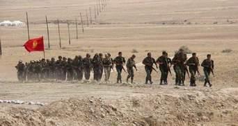 Президенты Кыргызстана и Таджикистана договорились отвести всю военную технику от границы