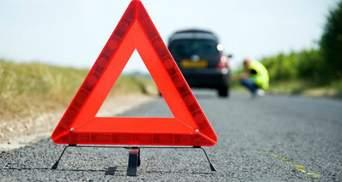 На Львовщине столкнулись микроавтобус и легковушка: пострадали 4 женщины