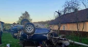 Въехал в ограждение и перевернулся: на Буковине произошло смертельное ДТП
