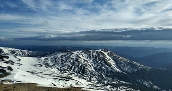 Мороз решил задержаться: в Карпатах сходит снег