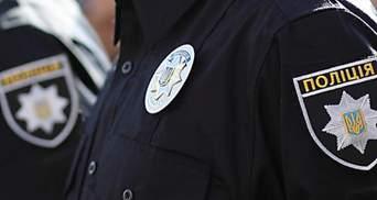 У Рівному громадянка Швеції покусала патрульного через прохання одягнути маску