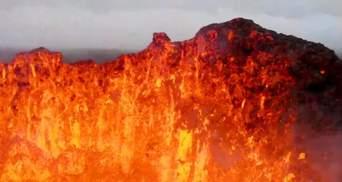 Оператор втратив дрон через зйомку вулкана в Ісландії: захопливе відео