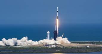 Новий рекорд SpaceX: ступінь приземлилася десятий раз