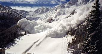 У Карпатах зберігається загроза сходження лавин: рятувальники попередили туристів