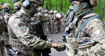 У Силах спецоперацій ЗСУ започаткували цікаву традицію з освячення зброї: наслідують козаків