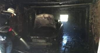 Закрылся в гараже и поджег иномарку: харьковчанин хотел покончить с собой – фото