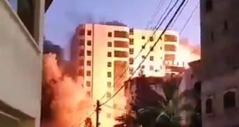 Вибухнув і завалився на бік: ракета влучила у багатоповерхівку у Секторі Гази – відео