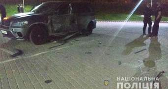 Обстріляли з РПГ з берега річки: поліція розслідує підрив BMW в Івано-Франківську