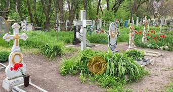 Діти під Полтавою влаштували нічні гуляння на кладовищі: відео 18+