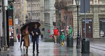 Гроза, град і сильний вітер: на Львівщині оголосили штормове попередження
