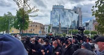 Медведчук прибыл в суд и заявил, что готов к СИЗО: фото