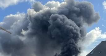 Под Парижем вспыхнул пожар на химзаводе: людей эвакуировали из домов