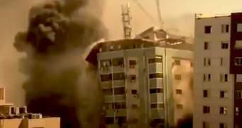 Израиль обстрелял многоэтажку в Секторе Газа: там были офисы мировых СМИ – видео
