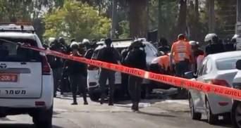 Теракт у Єрусалимі: автомобіль в'їхав у натовп, є постраждалі – відео