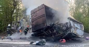 Жахлива ДТП із загиблими на Хмельниччині: водій не мав права керувати вантажівкою