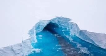 Найбільший у світі: від Антарктиди відколовся айсберг рекордного розміру